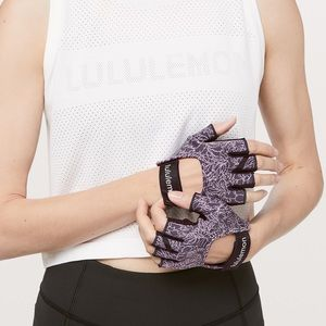Lululemon Uplift Training Gloves